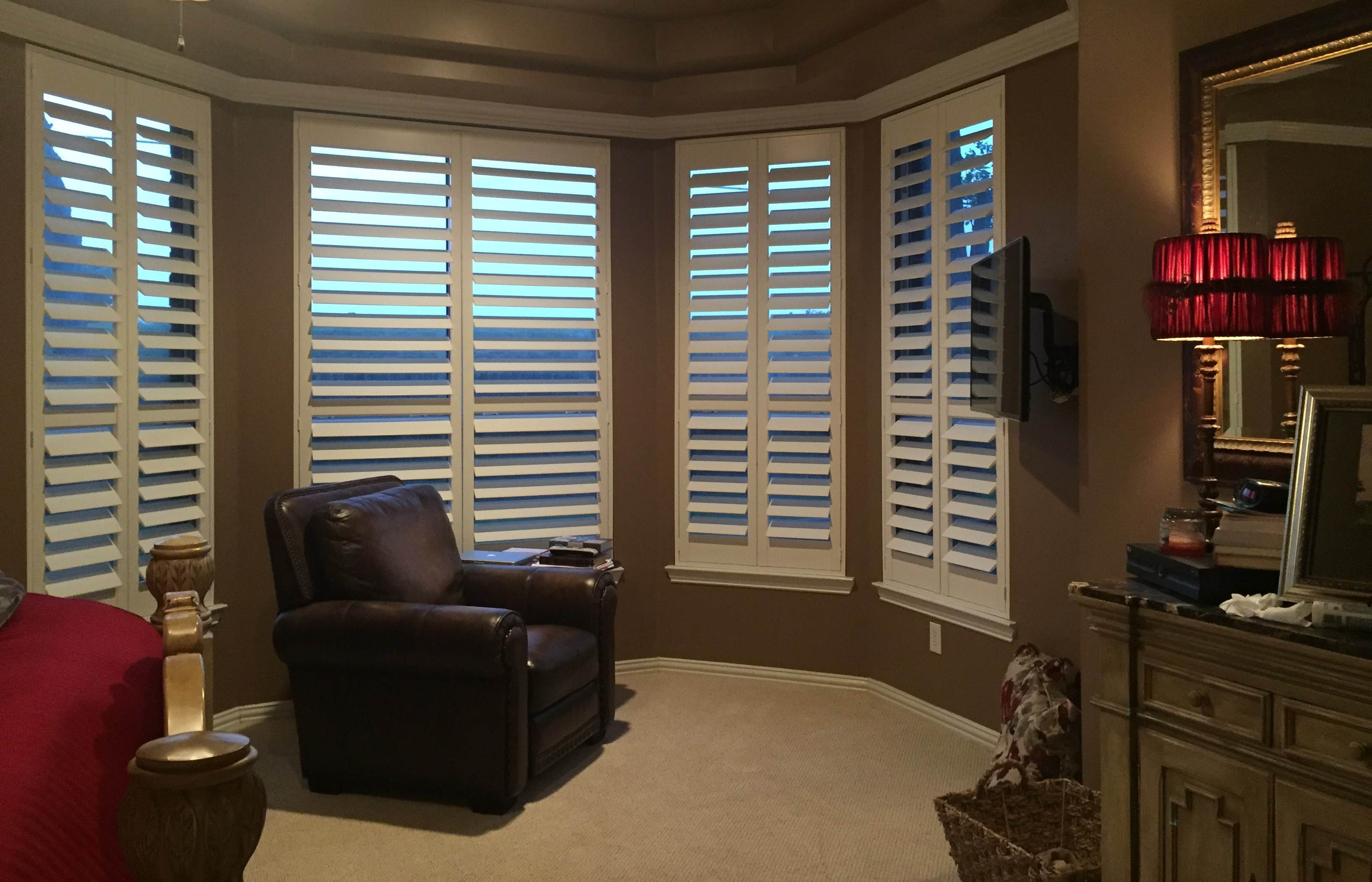 blind the blinds window store wood woodblinds norman normandy real featuring